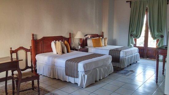 Hotel Alhambra: 20170314_155545_HDR_large.jpg
