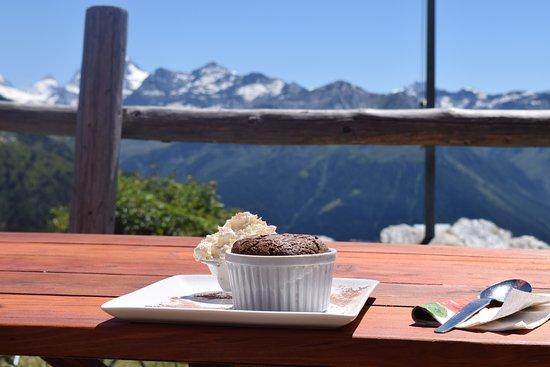 Saint-Luc, สวิตเซอร์แลนด์: Le fondant au chocolat face aux Cinq 4000