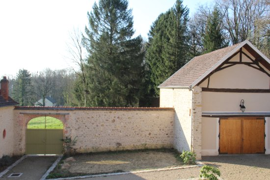 Mutigny, France: backyard