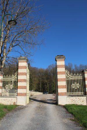 Mutigny, France: Main entrance