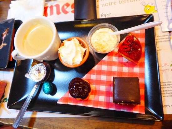 Couvin, Belgium: café gourmand