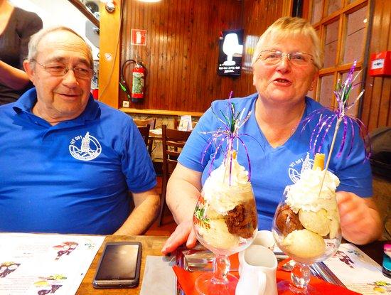 Couvin, Belgium: le dessert ...... un régal