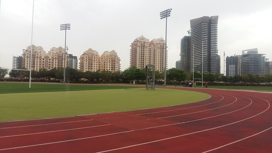 Dubai Sports City: 20170325_160045_large.jpg