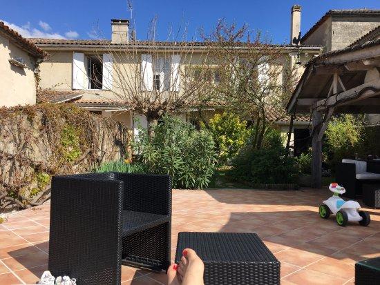 Pujols, Frankrijk: Séance bronzette sur la terrasse