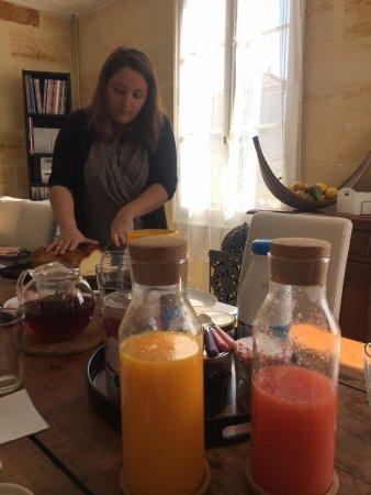 Pujols, Frankrijk: Petit déjeuner délicieux