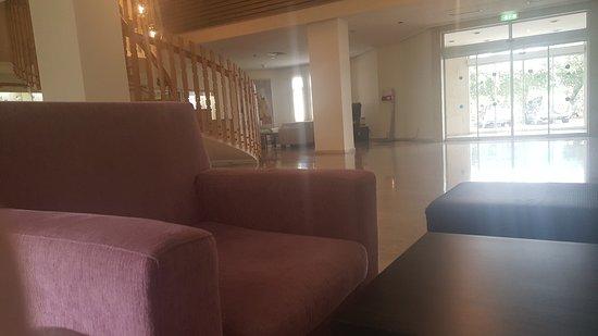 Kissos Hotel: 20170402_111444_large.jpg