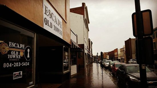 Escape Old Towne - Escape Rooms: Sometimes is rains but you can still have a blast at Escape Old Towne