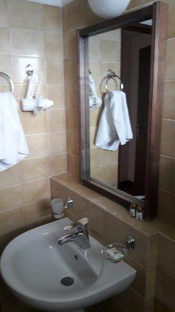 Sindica Spa Hotel: image-0-02-05-57c606ee27398696e8c4c3a4c72faee4d24033fd84ec40c389f60a9d40aa88d8-V_large.jpg
