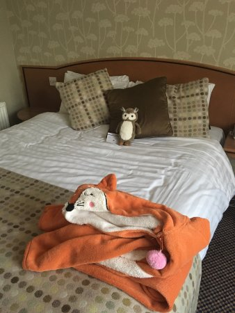 Overnight Saturday stay with friends at Mercure hotel