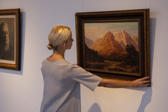 Somerset West, South Africa: Curatting the Private Collection.