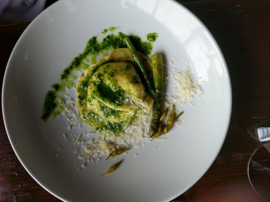 Deasy's Pub & Fish Restaurant : Chicken at it's absolute best; Deasy's inside and outside; memorable ravioli.
