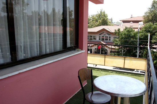 Dreams Guest House: Balcony