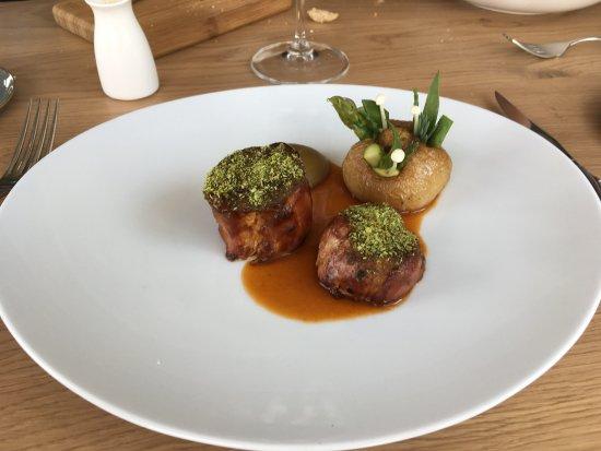 Kaag, Niederlande: Lamb with green olive mousse
