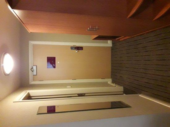 Premier Inn Dubai Silicon Oasis Hotel: 20170405_181430_large.jpg
