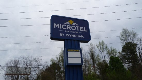 Microtel Inn & Suites by Wyndham Decatur: Easy to spot from the Beltline Road