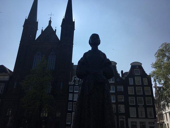Statue Vrouw met Stola