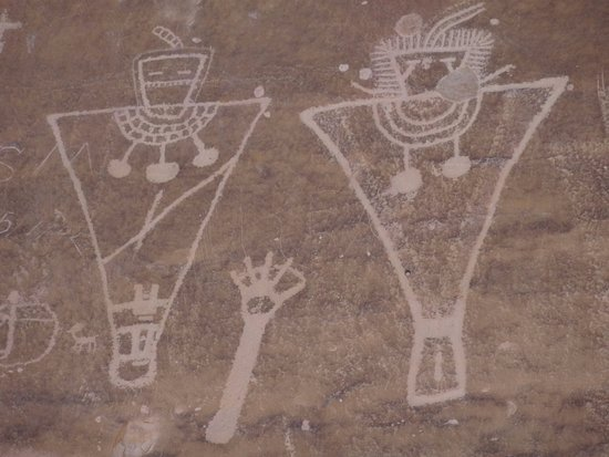 Thompson, UT: White Petroglyphs