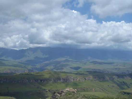uKhahlamba-Drakensberg Park, África do Sul: view from helicopter