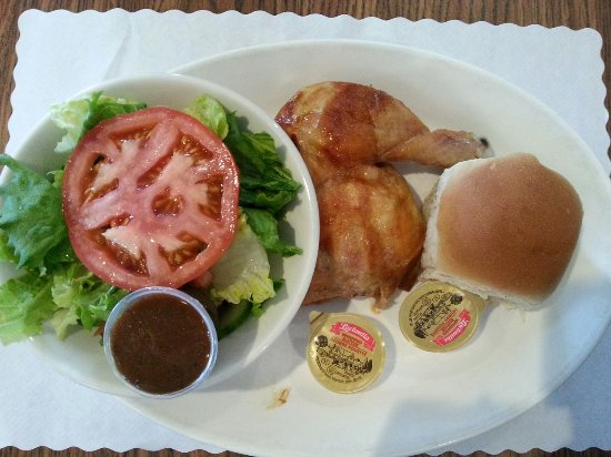 Port Perry, Канада: Quarter chicken dinner with side salad