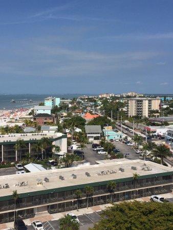 DiamondHead Beach Resort: photo1.jpg