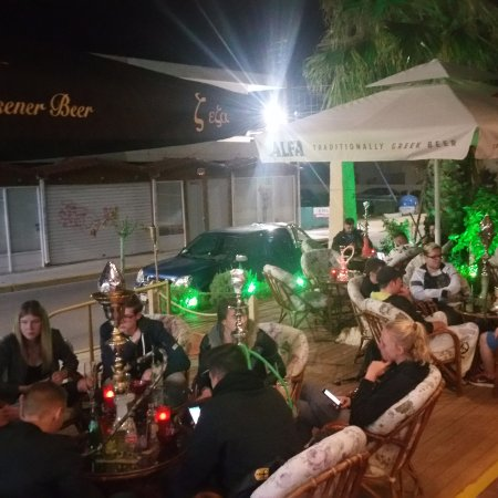 Gazi, Hellas: All guests join a beautiful night