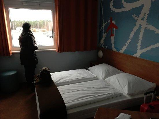 Rheinmuenster, Γερμανία: Las habitaciones son sencillas