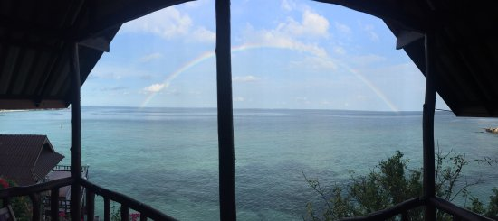 Ling Sabai Bungalows: Beginning and end of a rainbow ... view from our balcony!