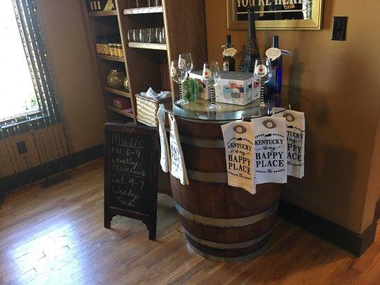 Shelbyville, KY: Talon Winery Tasting Room
