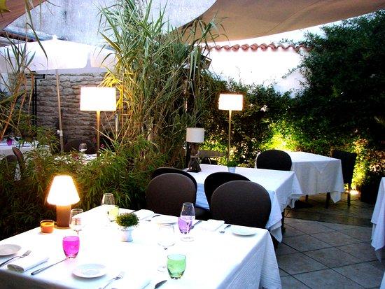 les jardins d 39 ali nor le ch teau d ol ron restaurant avis num ro de t l phone photos. Black Bedroom Furniture Sets. Home Design Ideas