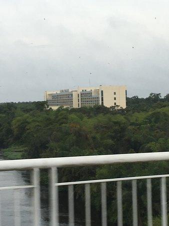 Oyo, República del Congo: Hôtel qui lorsque le président n est pas dans son village est ....... totalement vide mais ouver