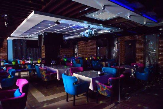 Cash Karaoke Club: Общий зал вместимостью до 60 человек