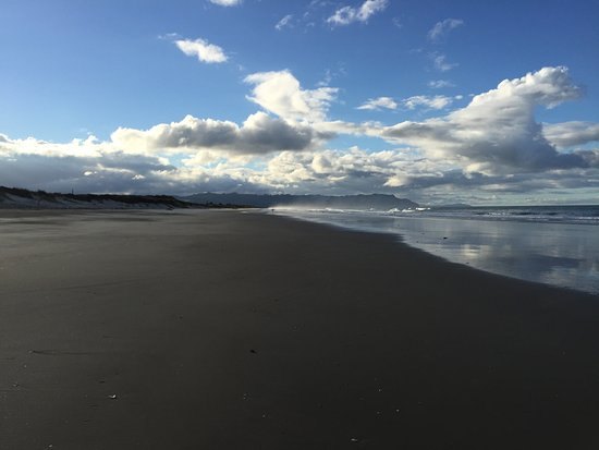 Waihi Beach - easy access from the holiday park - just few steps...