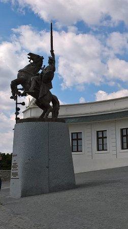 Pannonhalmi Apatsagi Muzeum: Apátság előtt