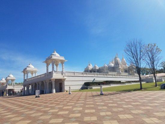 Lilburn, GA: BAPS Shri Swaminarayan Mandir