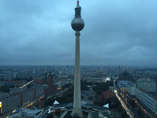 oben im turm picture of berlin tv tower berlin. Black Bedroom Furniture Sets. Home Design Ideas