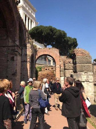 Archeoguide - Visite Culturali e Didattica Archeologica e Storico-Artistica: Dentro i Fori Imperiali visita a turno riservato 8 aprile 2017