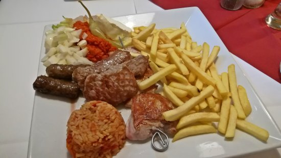 Wiernsheim, Alemania: Balkanteller
