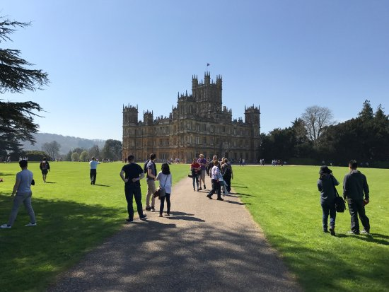 Highclere Castle: Wonderful beautiful house and gardens
