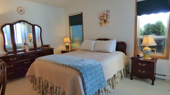 crown house bed breakfast lake cowichan canada voir les tarifs et avis chambres d 39 h tes. Black Bedroom Furniture Sets. Home Design Ideas