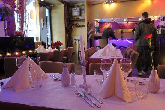 Bollywood indisk restaurang stockholm