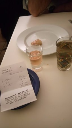 Restaurant Alyssaar Syrien : Thé à la menthe et digestif maison offert