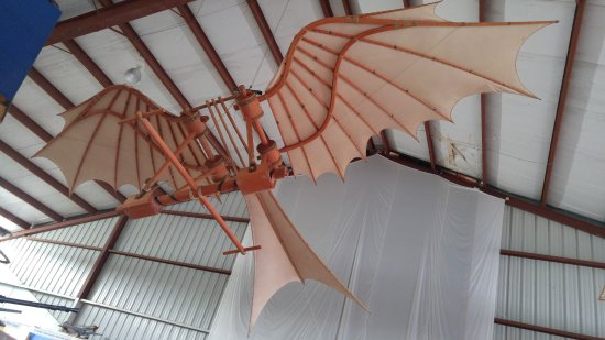 Sidney, Canada: De Vinchi's flying machine