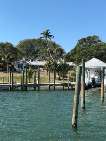 Cabbage Key Inn: Cabbage Key is an amazing location for boaters in the Ft Myers area