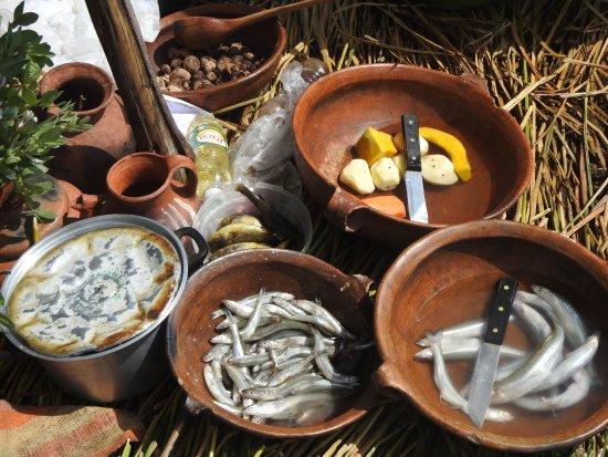 All Ways Travel: Comida tradicional en la Isla de los Uros
