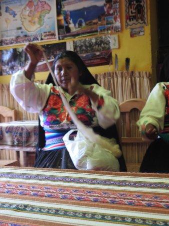 All Ways Travel: Los tejidos en Amantani