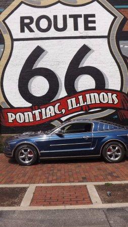 Pontiac, IL: Rt 66 Wall Mural