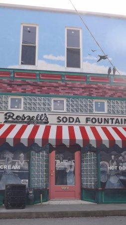 พอนทีแอก, อิลลินอยส์: Mural behind Rt 66 Museum