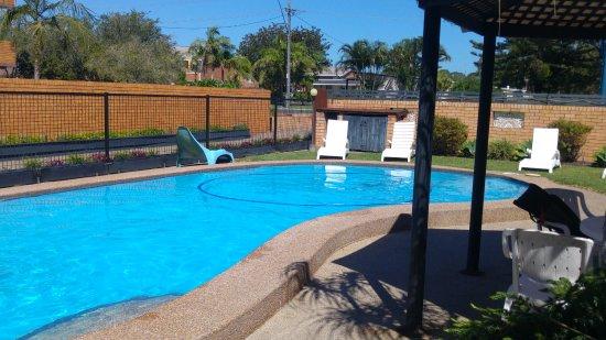 Bella Villa Motor Inn: Lovely pool.