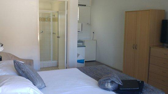 Bella Villa Motor Inn: View of the room/
