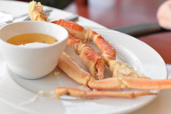 Hawaii Calls Restaurant & Lounge: Hawaii Calls - Prime Rib and Crab Pa'ina